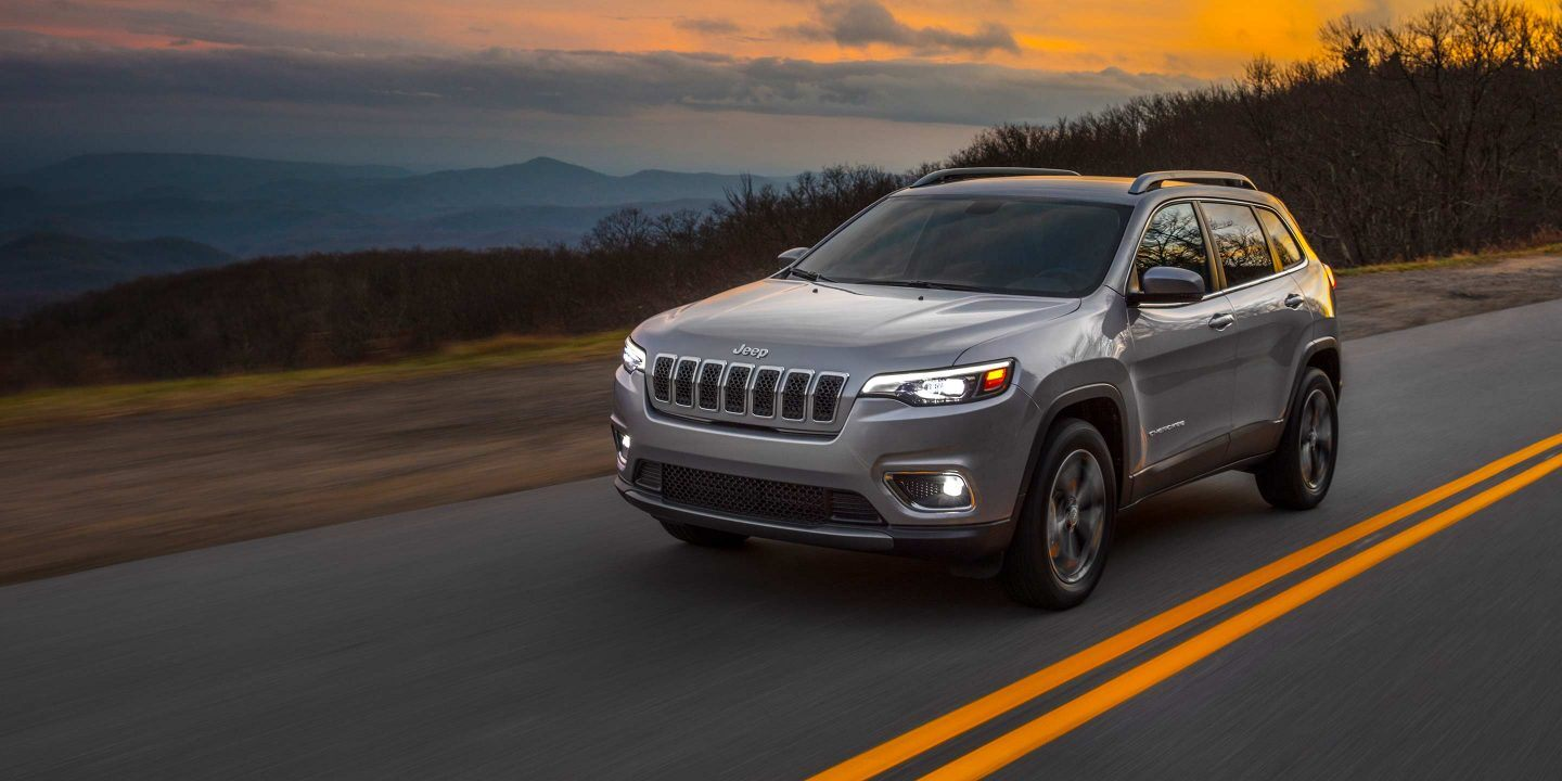 2020 Jeep Cherokee Safety Features near Chicago, IL