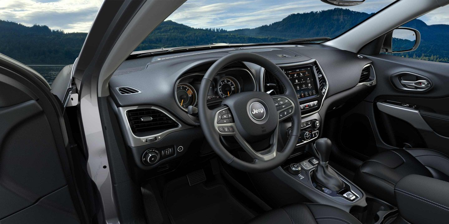 2020 Jeep Cherokee Technology Features near Chicago, IL