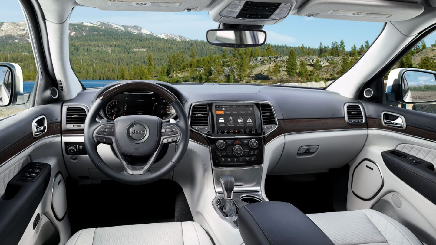 2020 Jeep Grand Cherokee Technology Features in Elmhurst, IL