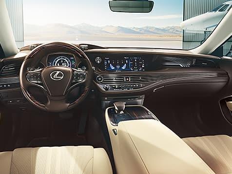 2019 Lexus LS-500 interior