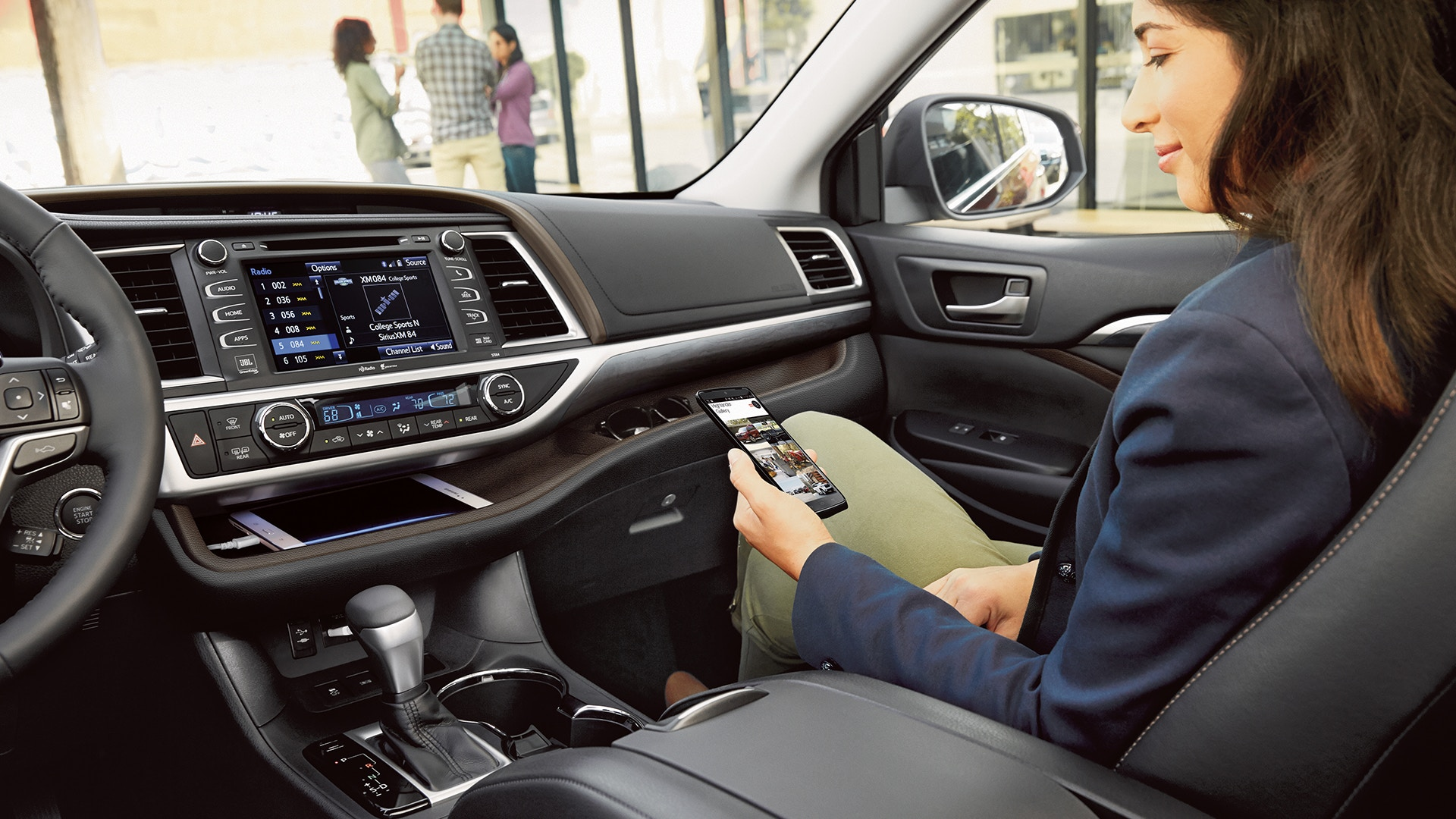 2019 Toyota Highlander Technology in Jacksonville, FL