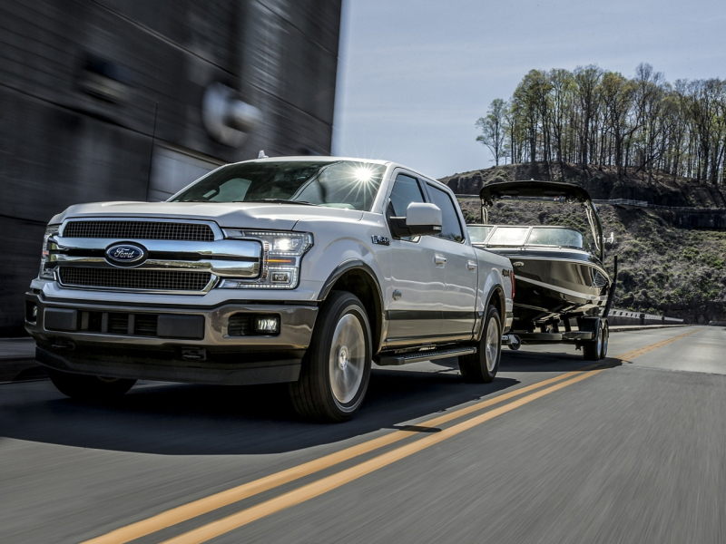 Chevrolet Silverado 1500 vs Ford F-150 Technology Features