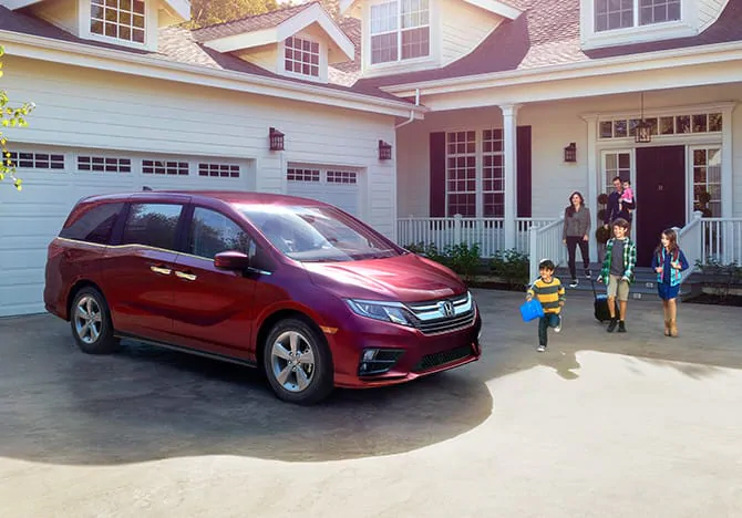 Baron Honda has the new 2020 Honda Odyssey with an aggressive exterior near Blue Point, NY