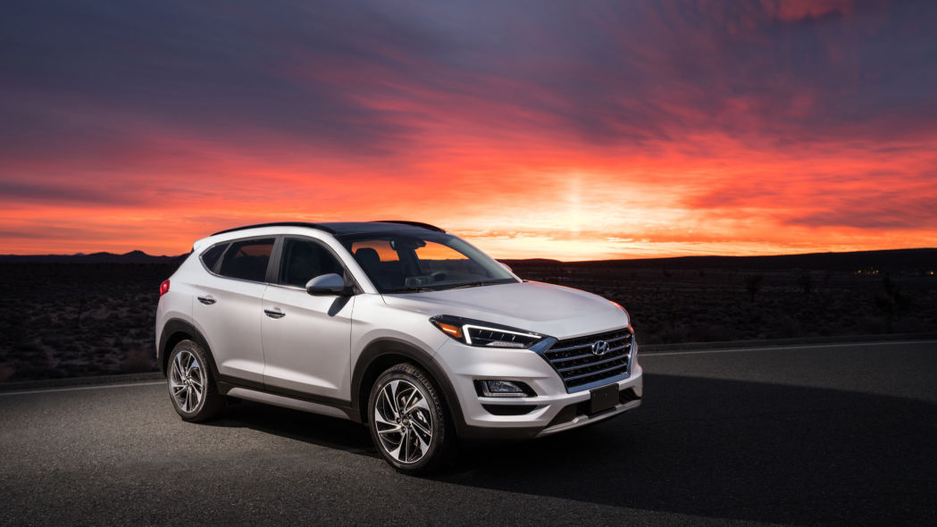 The 2020 Tucson has a sleek exterior and is available at Headquarter Hyundai in Orlando, FL