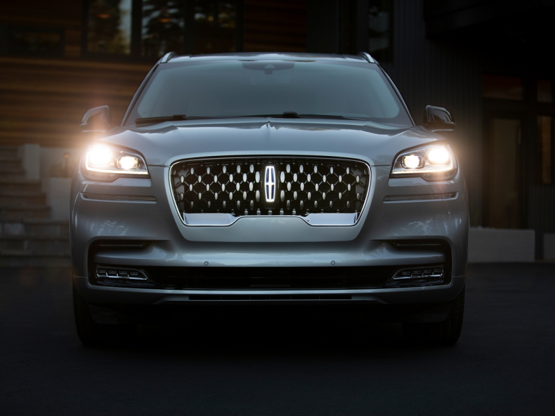 New 2020 Lincoln Aviator vs Lincoln Nautilus Safety Features
