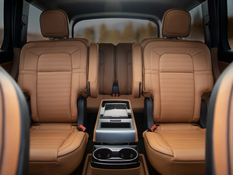 The luxurious interior of the 2020 Lincoln Aviator