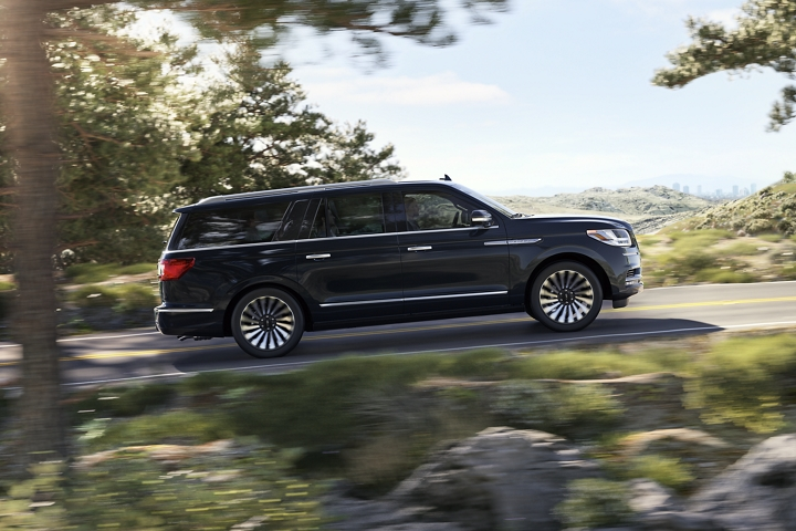 Lincoln Navigator vs Cadillac Escalade Safety Features