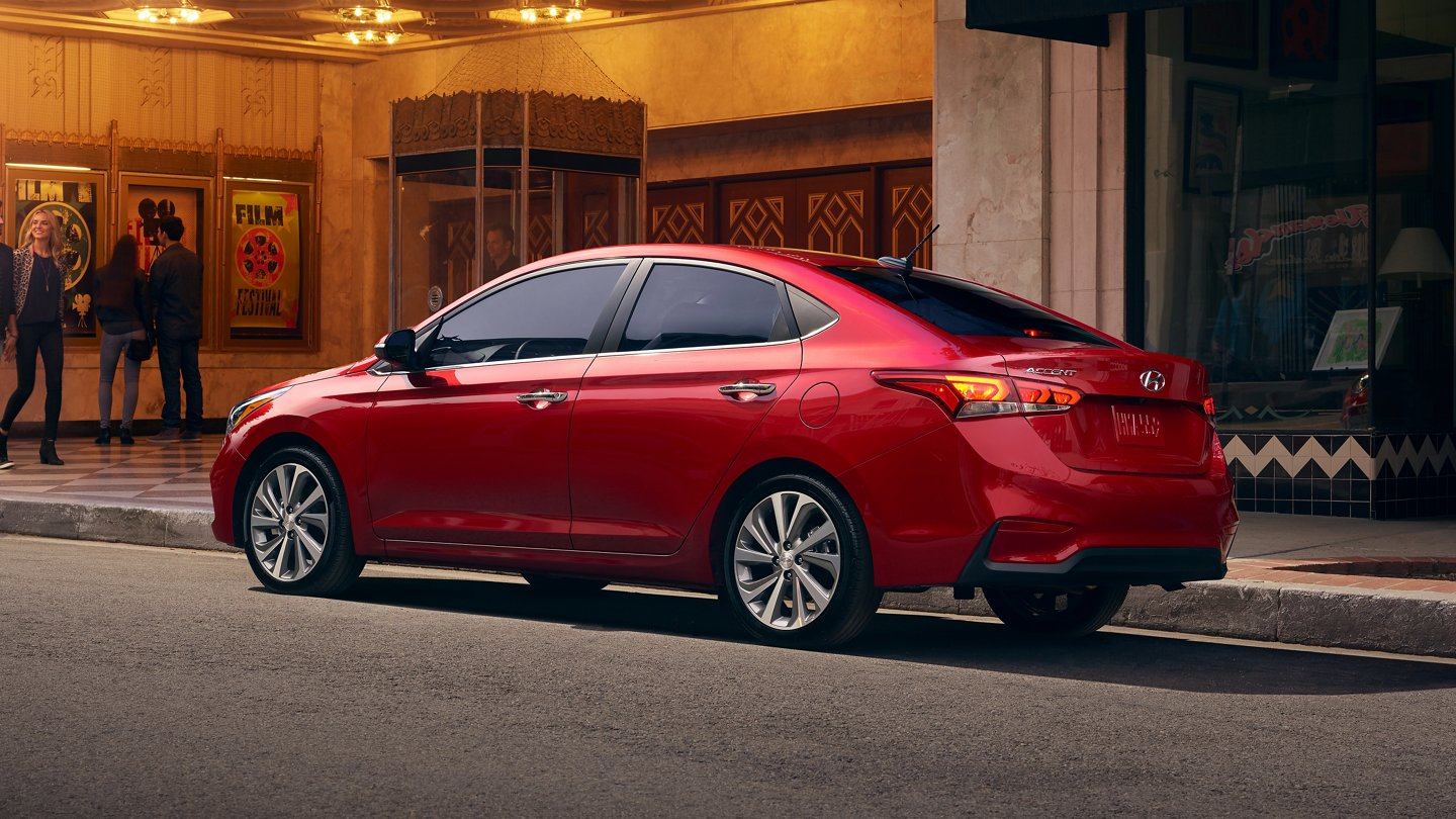 What is the gas mileage of the 2021 Hyundai Accent?