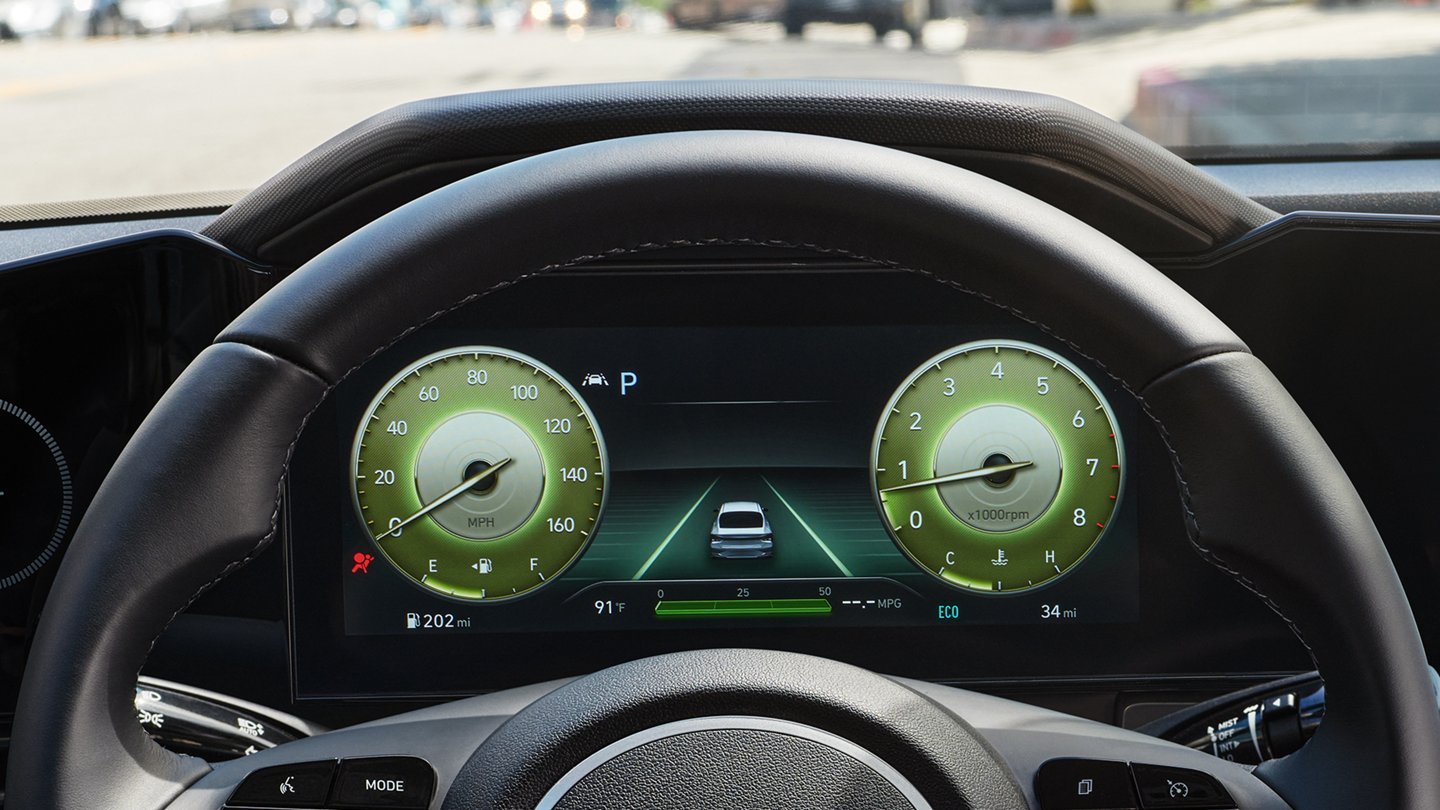 What is the gas mileage of the 2021 Hyundai Elantra?