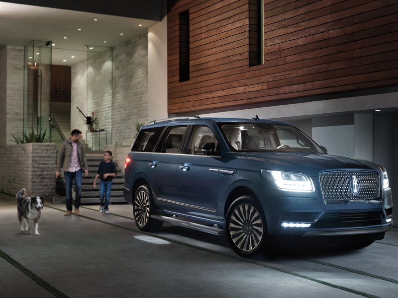 The sleek exterior of the 2020 Lincoln Navigator