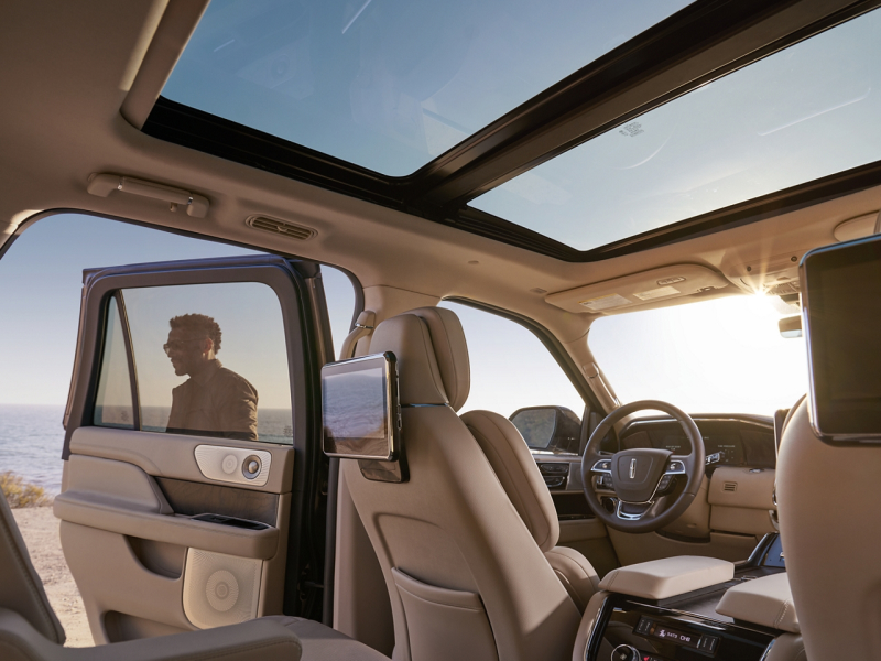The spacious interior of the 2020 Lincoln Navigator